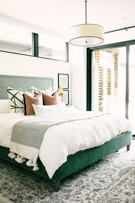 un grazioso design da camera da letto bianco-verde