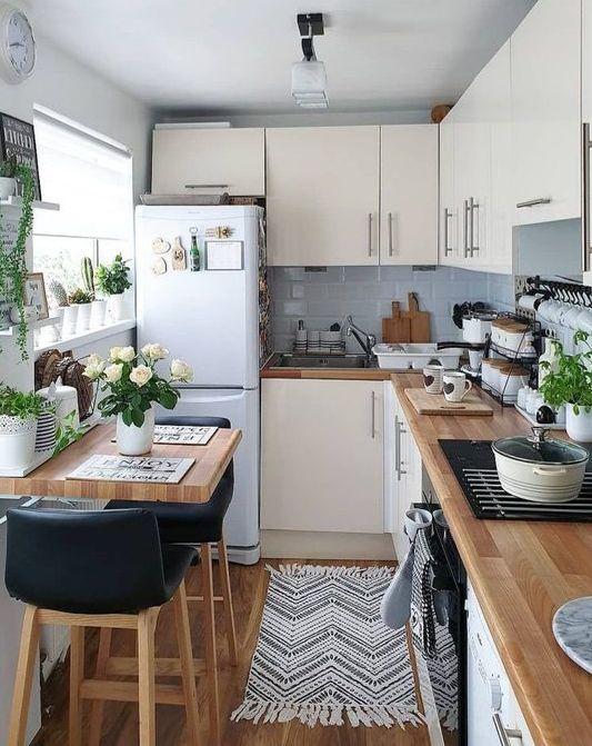 un design accogliente e neutro della cucina