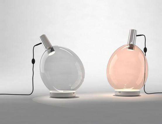 le esclusive lampade da tavolo ispirate ai palloncini in grigio e cipria sono adorabili e chic e completeranno uno spazio moderno