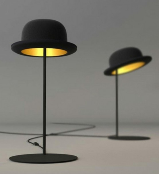 Le divertenti lampade da tavolo nere sono perfette per uno spazio moderno e daranno una leggera sensazione di allegria allo spazio