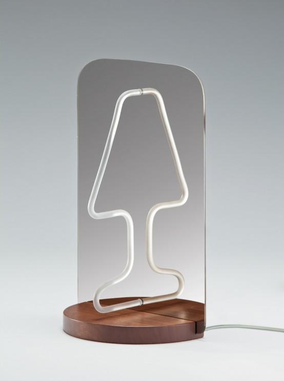 una lampada da tavolo minimalista di un supporto in legno, uno specchio e una luce al neon per uno spazio fresco e contemporaneo