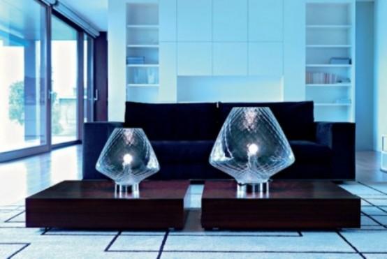 le lampade da tavolo oversize in vetro cognac daranno un tocco raffinato e chic al tuo salotto