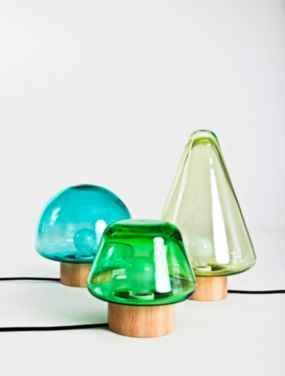 Le mini lampade da tavolo in vetro colorato sono perfette per interni contemporanei o moderni e aggiungono colore