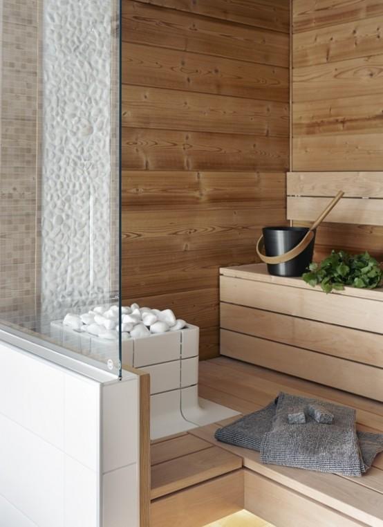 un minuscolo bagno turco rivestito in legno e solo un paio di panchine è molto accogliente e riscaldante