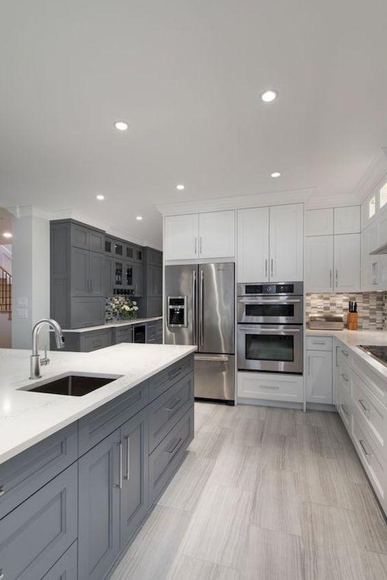 un design elegante cucina bianca tocchi grigi bianchi