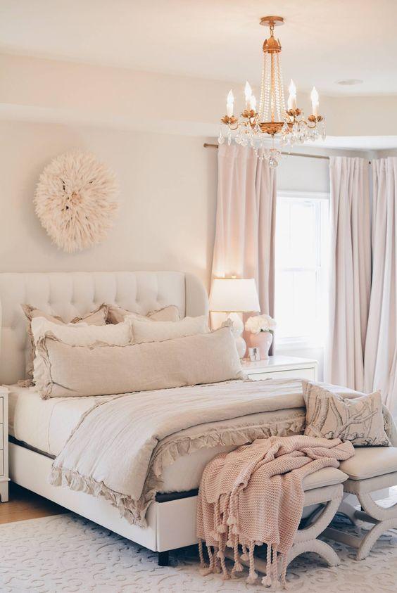 blush, rosa cipria e bianco sono fantastici per rendere il tuo letto molto rilassante e accogliente