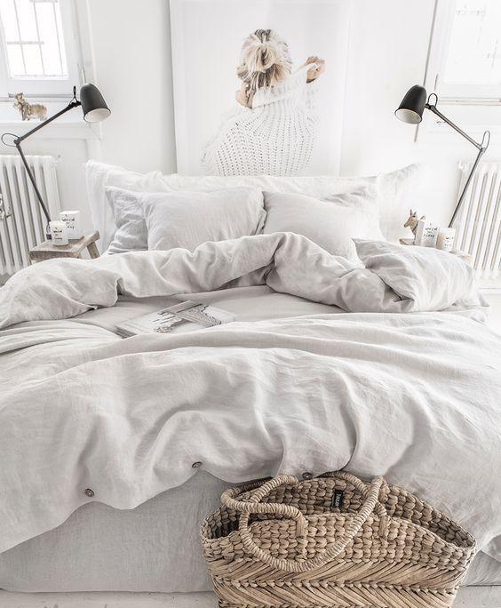 aggiungi intimità immediata alla tua camera da letto con biancheria da letto in puro lino in grigio chiaro, è perfetto per la maggior parte degli stili di camera da letto