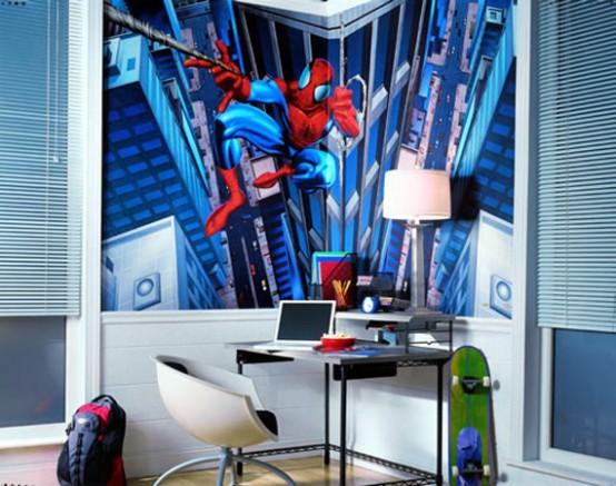 una cameretta blu per bambini di Spiderman con una dichiarazione artistica sul muro è un'altra bella idea per coloro che amano i supereroi