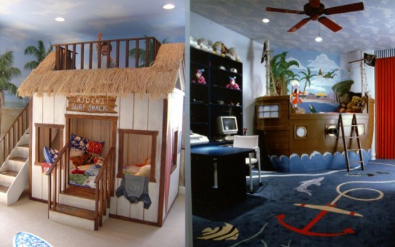 una stanza per bambini tropicale realizzata in due modi diversi: con un riparo per il surf che ospita due letti e una nave nel mare tropicale