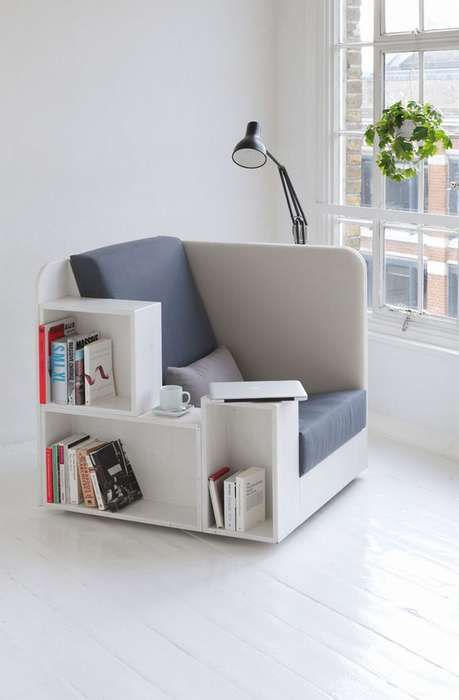 una sedia da lettura multifunzionale con contenitore per libri è un ottimo pezzo per i piccoli spazi