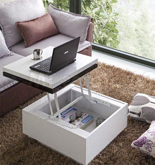 un tavolino multifunzionale con piano rialzato utilizzabile come scrivania