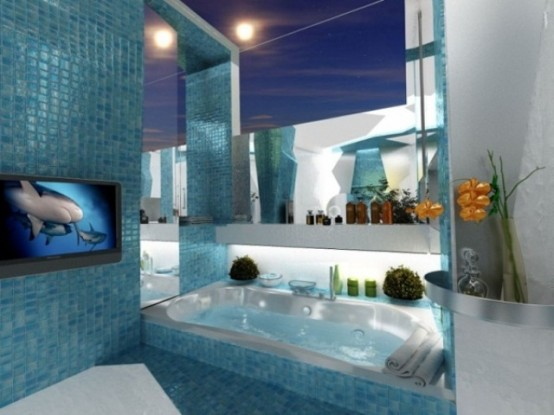 un bagno turchese ispirato al mare con piastrelle a mosaico, specchi, tocchi di bianco e una TV