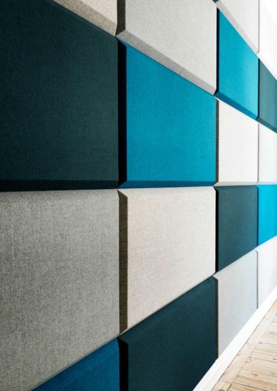 piastrelle contemporanee rettangolari in grigio, nero e turchese renderanno il tuo spazio più moderno e audace