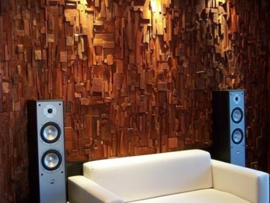 una parete rivestita in legno è una dichiarazione audace e un'idea chic per l'arredamento e l'insonorizzazione