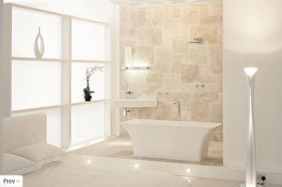 un bagno beige e bianco con una vasca accattivante e vetro smerigliato