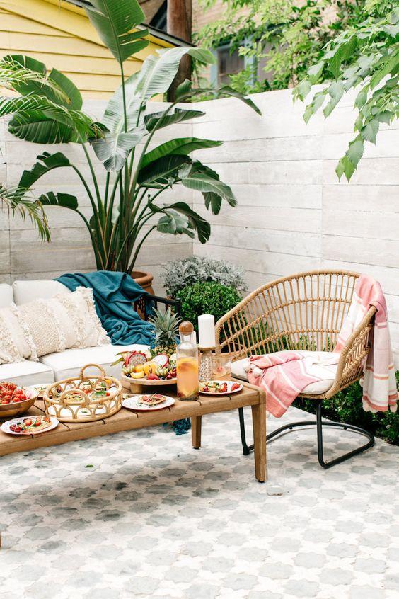 usa piastrelle con stampa marocchina nel patio per renderlo più audace e accattivante, goditi l'aspetto