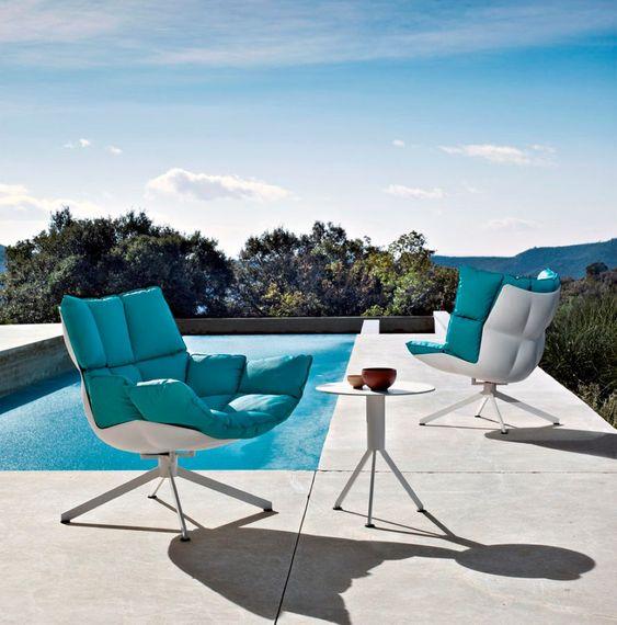 tali mobili sono belli sia per interni che per esterni, sono contemporanei e audaci