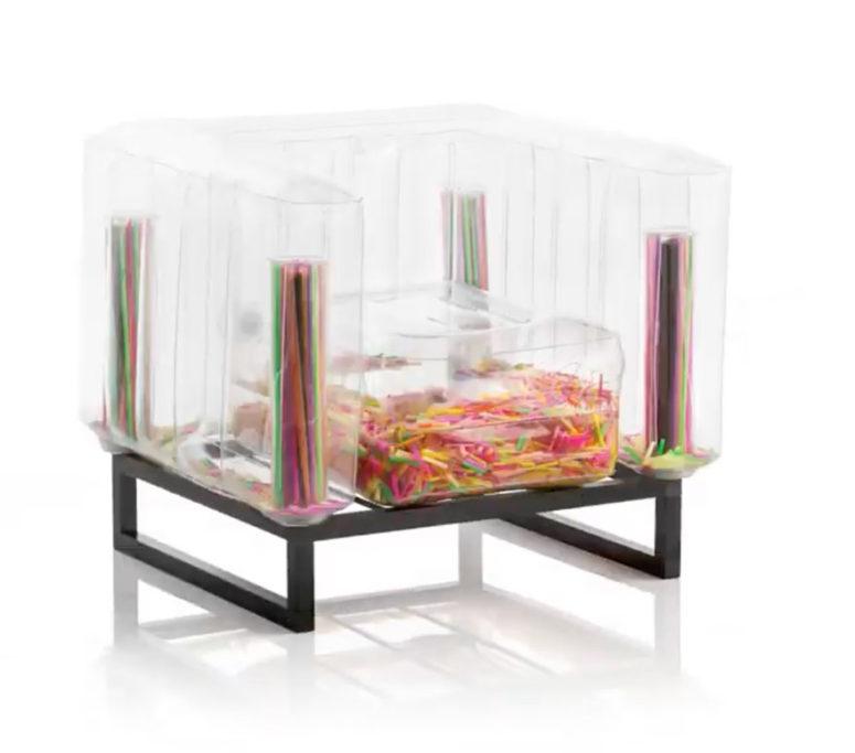 Puoi anche riempire i mobili del sedile con varie cose che ti piacciono