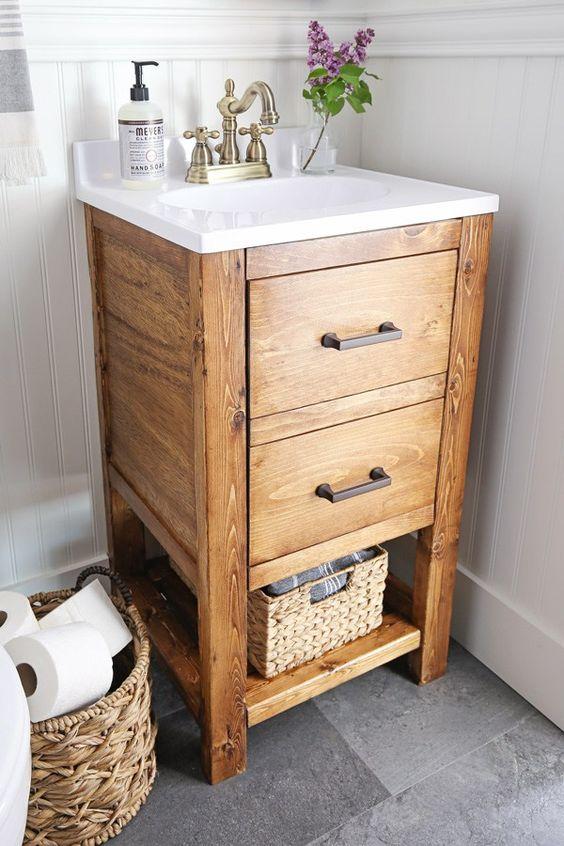 questa piccola vanità in legno con molto spazio aperto e cassetti è un'ottima idea per un piccolo angolo