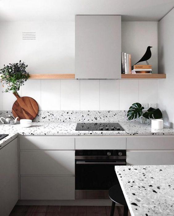 Il terrazzo è un materiale molto trendy e tagliente per i tuoi piani, provalo