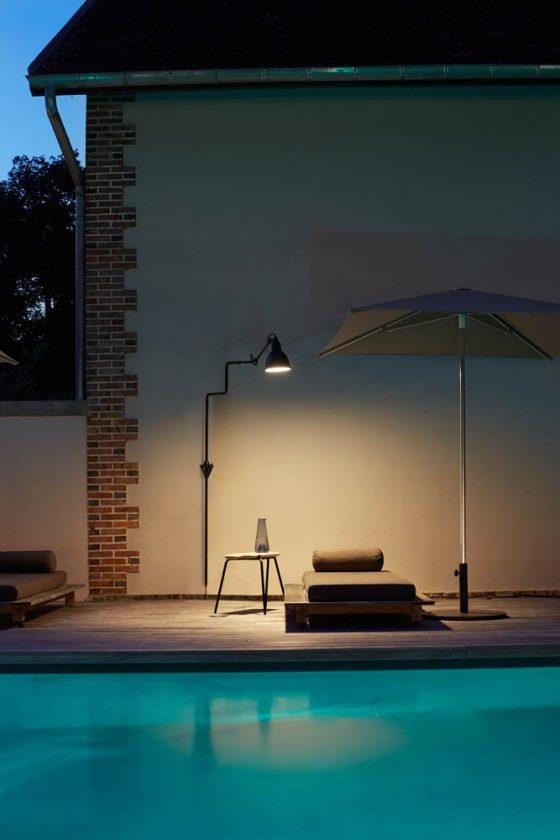 La lampada Gras porta nello spazio un'estetica retrò e industriale