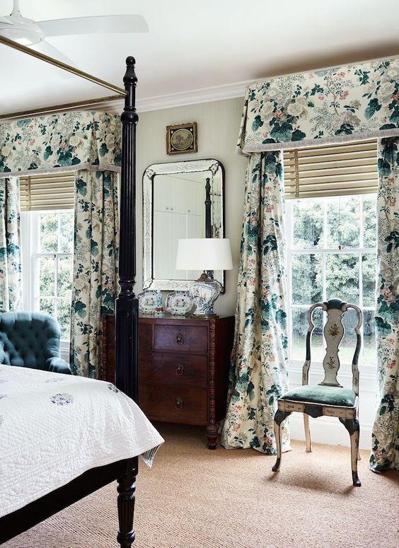 audaci tende floreali aggiungono motivo alla camera da letto, non solo consistenza, diventano un accento audace