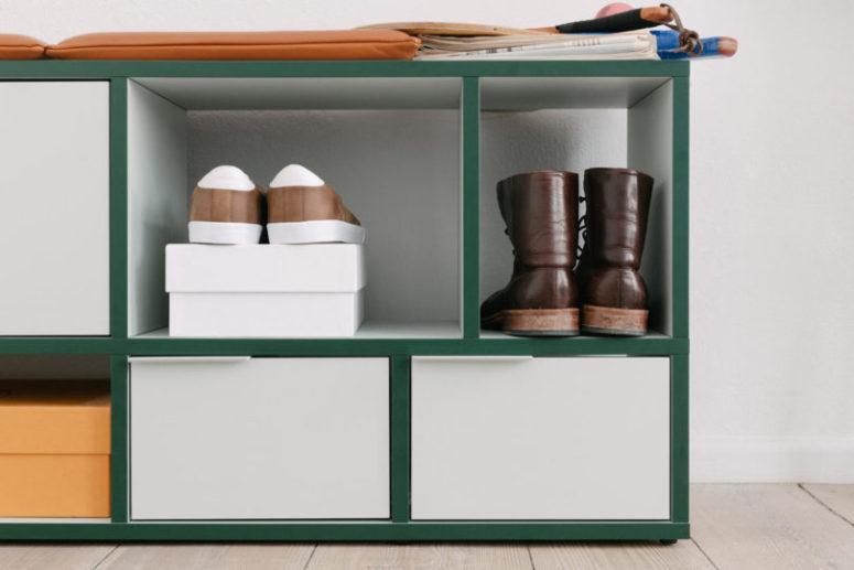 Sentiti un designer di mobili e crea un fantastico scaffale per il tuo spazio