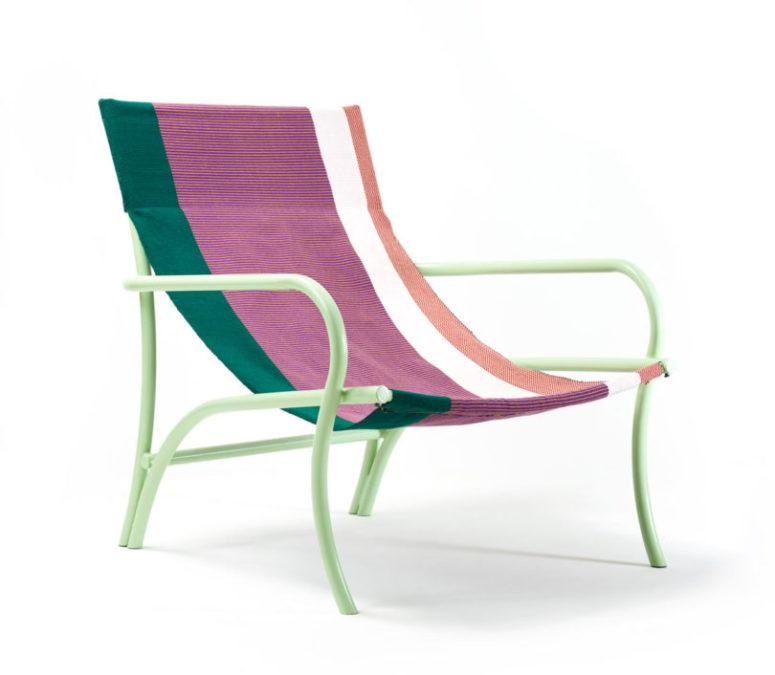 Le sedie sono disponibili in vari colori vivaci e con fantastici motivi