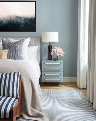 camere da letto blu e grigie