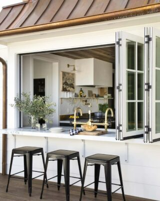 Passavivande – finestra tra cucina e giardino