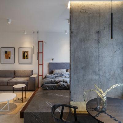 Piccolo appartamento di 39 mq con un letto a piattaforma